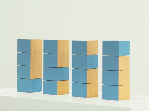 matthias eckert - blaue progression | holz, acryl, pigment | je-12-x-4-x-4-cm | 2007