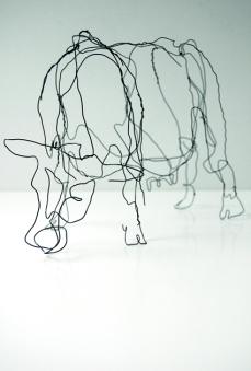 Monika Supé - Kuh 3 | Draht geschwaerzt | 25x11x19 | 2012
