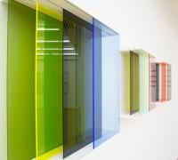 Bettina Bürkle, Serie von kleinen Schiebeobjekten, 2012-15, Holz, Acrylglas, je 43 x 40 x 15 cm